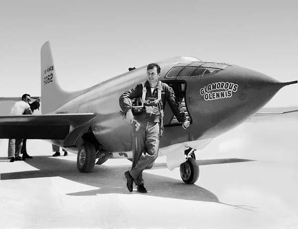 Le capitaine Chuck Yeager et son X-1
