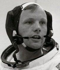 """Armstrong coiffé du """"Snoopy Cap"""""""