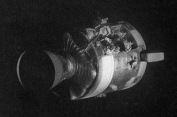 Le Module de Service d'Apollo 13 après l'explosion