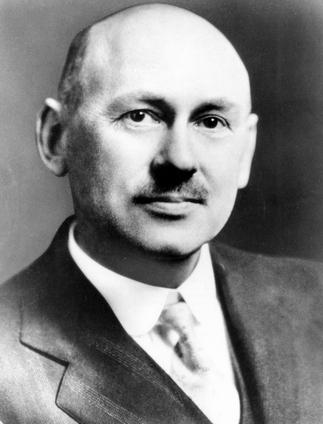 Robert H. Goddard 1882 - 1945