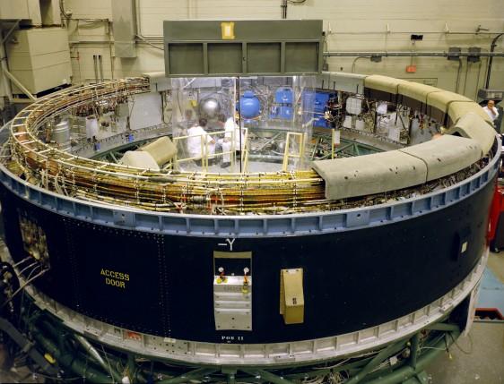 """Le """"cerveau """" de la fusée Saturn V : L'Instrument Unit"""